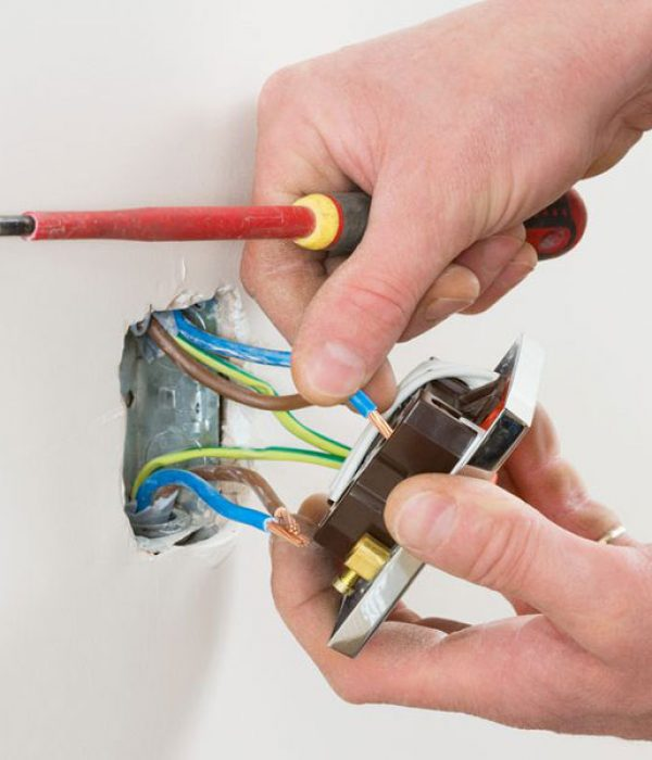 Electrical-Outlet-Repair-St.-Louis